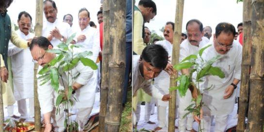 जेपी नड्डा के साथ CM रघुवर दास ने शुरू किया सदस्यता अभियान, सरकार की सफलताओं को गिनाया