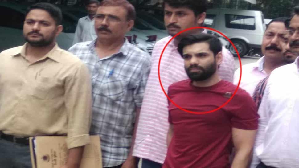 दिल्ली: हाईप्रोफाइल पार्टियों में करता था ड्रग्स का कारोबार, पुलिस ने किया गिरफ्तार