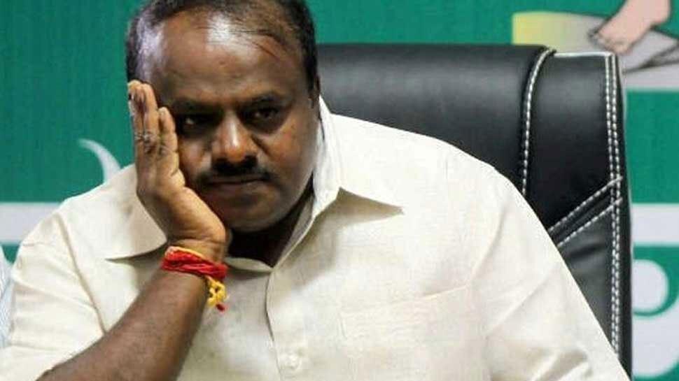 सुप्रीम कोर्ट के फैसले के बाद कर्नाटक की कुमारस्वामी सरकार पर संकट गहराया