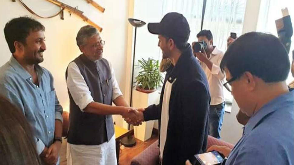 बिहार के उपमुख्यमंत्री सुशील मोदी से मिले अभिनेता ऋतिक रोशन