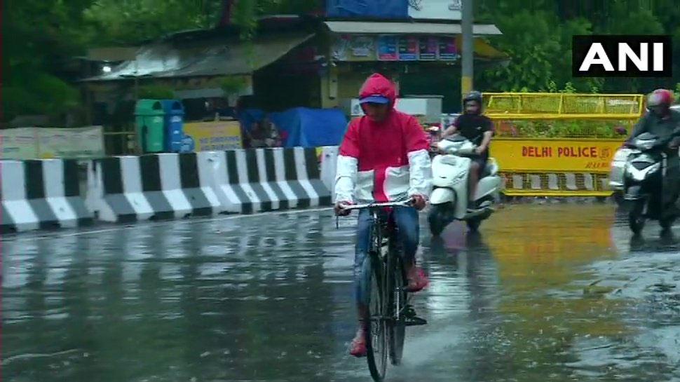 बारिश से दिल्ली-NCR का मौसम हुआ सुहावना, 2 दिनों तक बरसेगा पानी