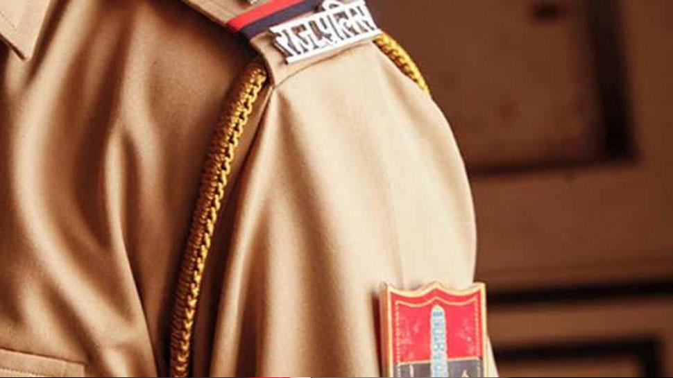 राजस्थान: अलवर में बेखौफ हैं अपराधी, पुलिसकर्मी के सामने की मारपीट