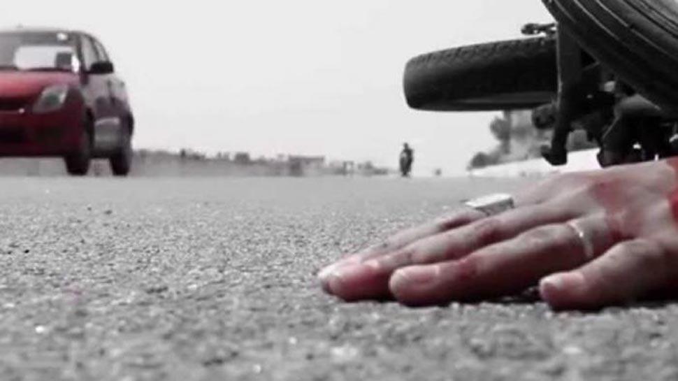 VIDEO: तेज रफ्तार का कार कहर, करीब 35 फीट हवा में उछलकर गिरा स्कूटी सवार