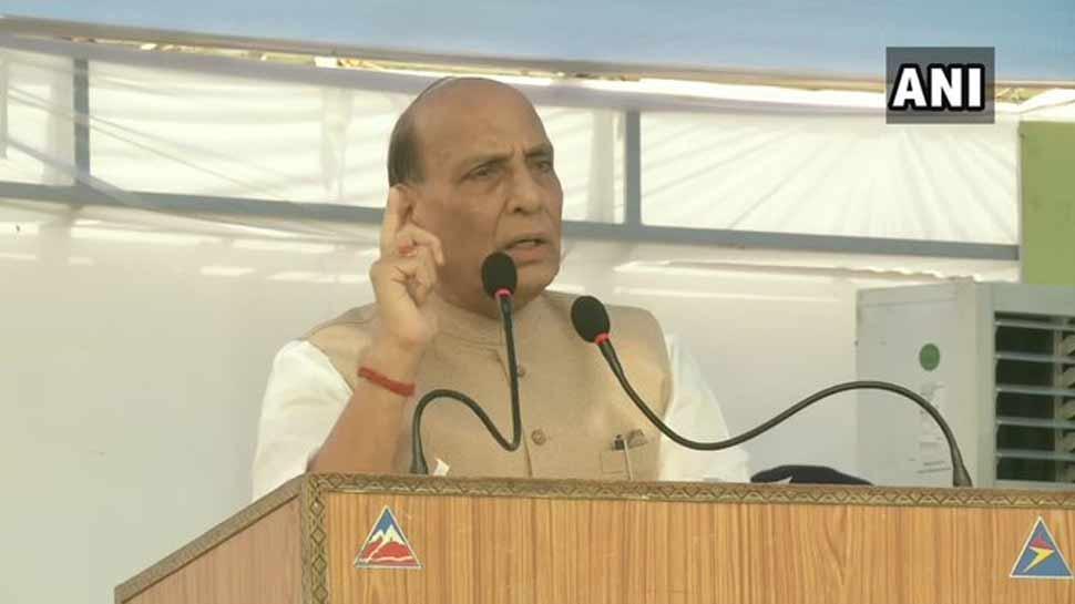 रक्षा मंत्री राजनाथ सिंह बोले, 'कश्मीर समस्या का हल बातचीत से नहीं निकला तो...'
