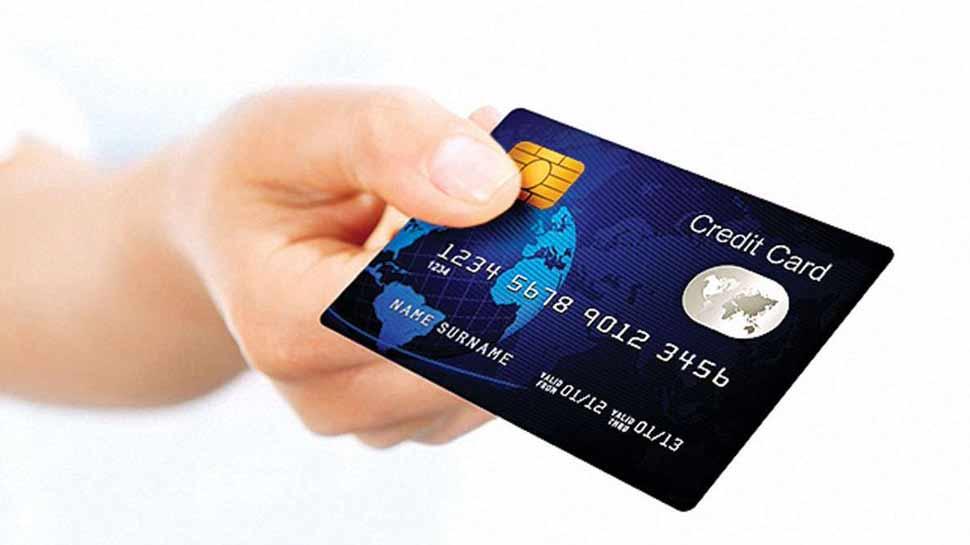 एक से ज्यादा क्रेडिट कार्ड वाले ध्यान दें ये बात, नहीं तो घट जाएगा क्रेडिट स्कोर
