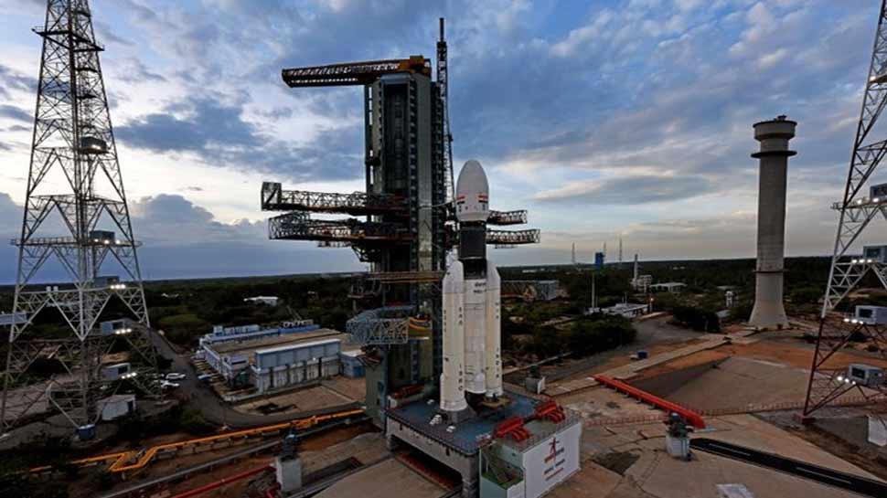 चंद्रयान-2 का काउंटडाउन जारी, दोपहर 2.43 मिनट पर होगा लॉन्च, सारी तैयारियां पूरी