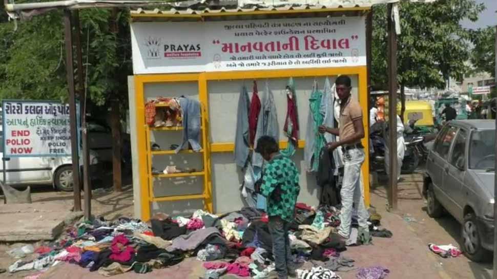 गुजरात: पाटन शहर में बनी मानवता की दीवार, जीत रही है लोगों का दिल