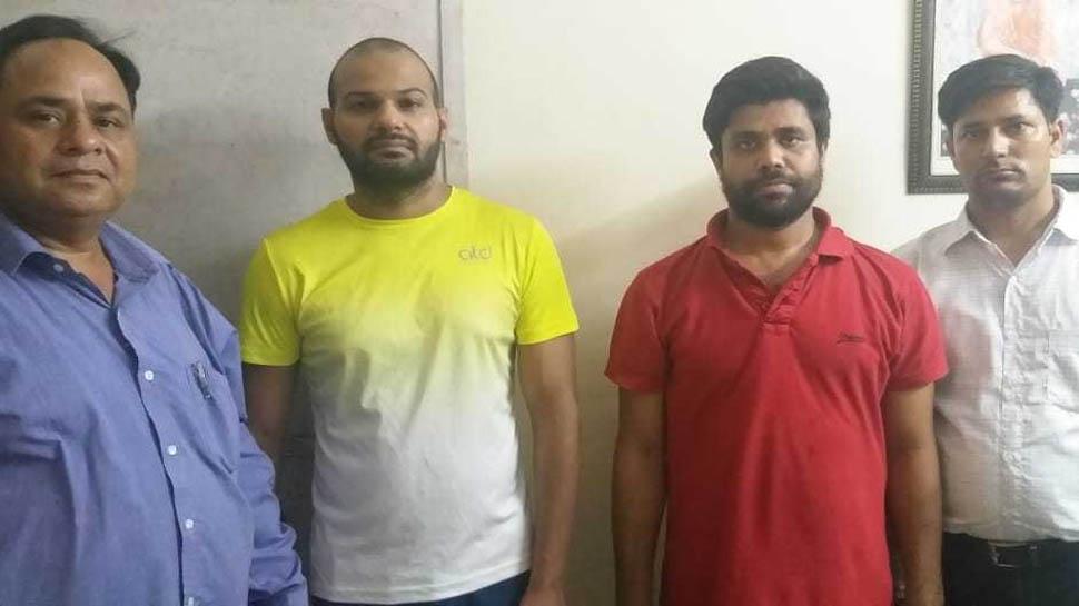 अंडर-19 क्रिकेट टीम में खिलाने के नाम पर जूनियर खिलाड़ियों ठगते थे पैसे, पुलिस ने ऐसे दबोचा