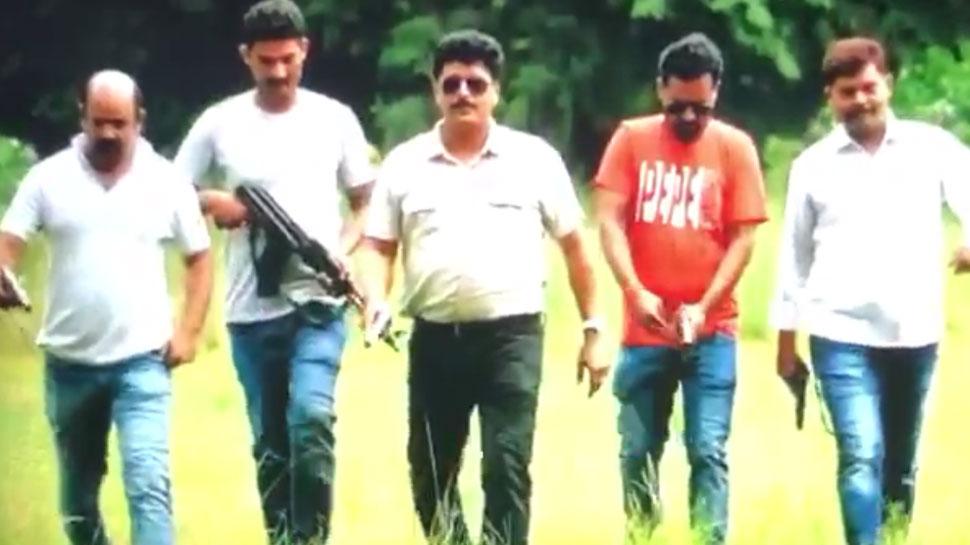 UP पुलिस पर छाया एनकाउंटर का खुमार, इंस्पेक्टर ने पंजाबी गाने पर बनवाया VIDEO, हुआ VIRAL