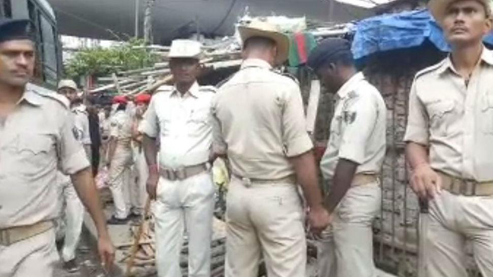 पटना: पुलिस ने शराब बनाने वाले गिरोह पर पॉस इलाके में की छापेमारी, सभी सामानों को किया नष्ट