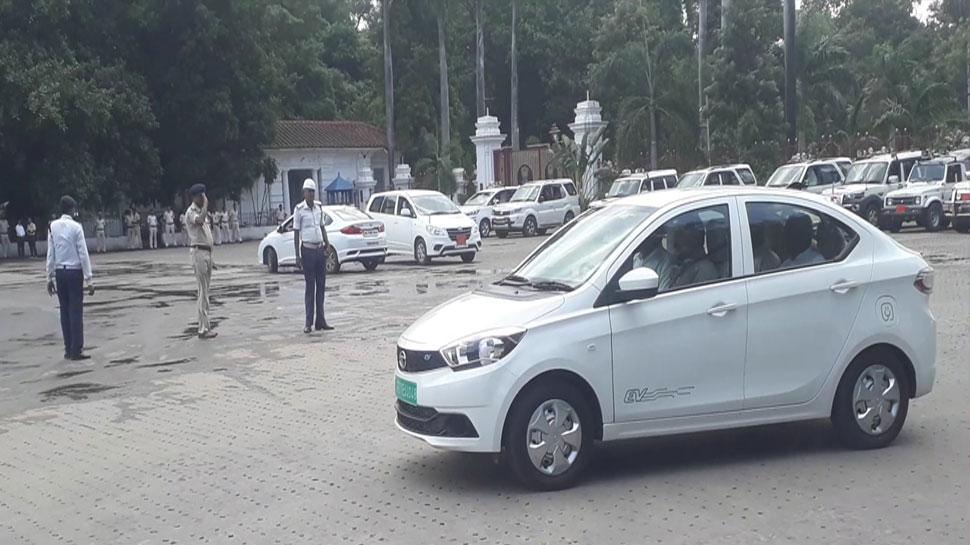 बिहार सरकार में लग्जरी वाहनों का दौर होगा खत्म, नीतीश कुमार बने हैं रोल मॉडल