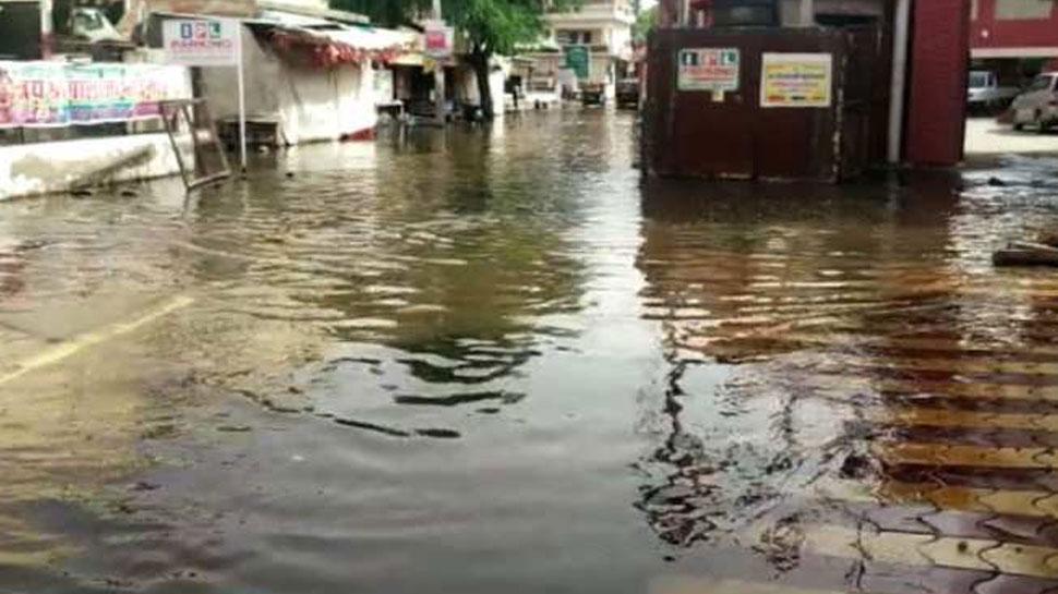 चूरू: शहर में वर्षों से बरकरार है पानी निकासी की समस्या, आम लोग परेशान