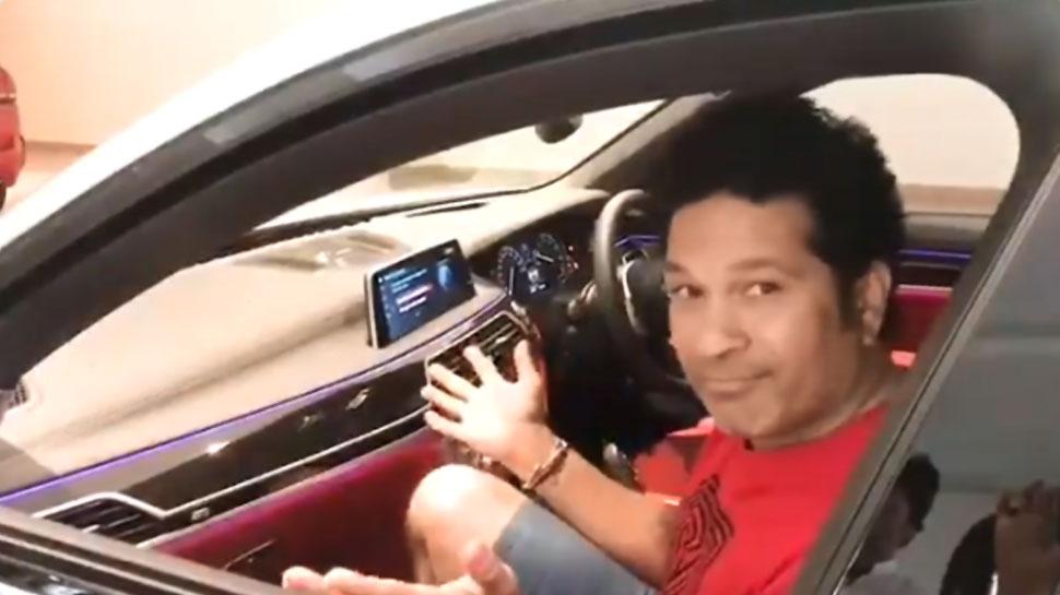 VIDEO: खुद-ब-खुद चलने लगी कार, सचिन तेंदुलकर बोले- कहीं इसमें 'मिस्टर इंडिया' तो नहीं