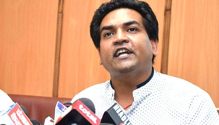 दिल्ली विधानसभा अध्यक्ष ने AAP के बागी विधायक कपिल मिश्रा को अयोग्य घोषित किया