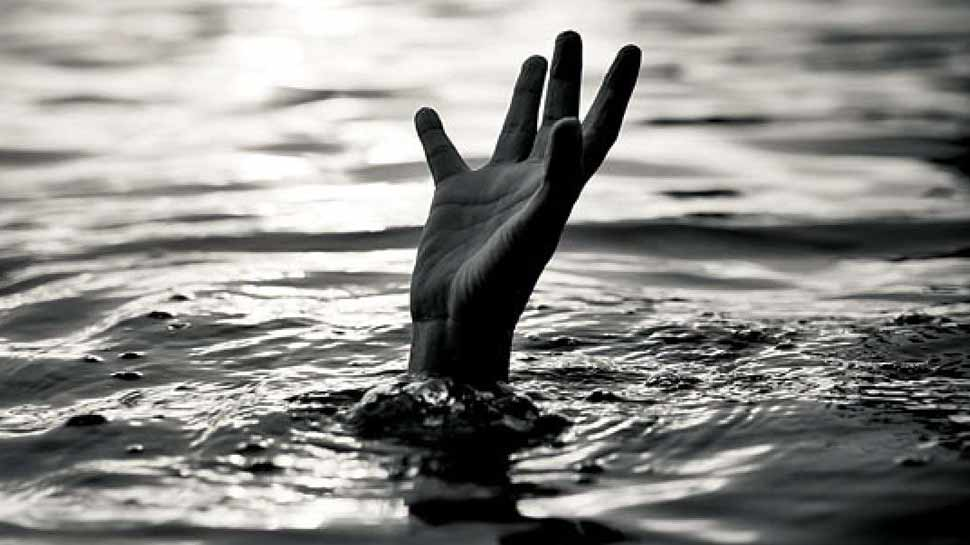 उत्तर प्रदेश: बारिश की पानी में नहाने गए चाचा-भतीजी गड्ढे में डूबे, बच्ची का मिला शव