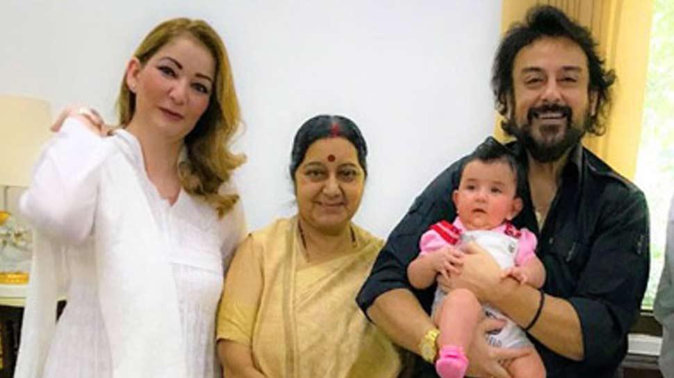 सुषमा स्वराज के निधन पर भावुक हुए सिंगर अदनान सामी, बोले- 'वो मेरी मां जैसी थीं'