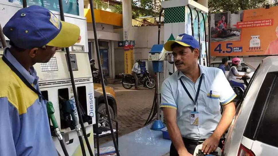 6 दिनों से जारी पेट्रोल की कीमत में गिरावट पर लगा ब्रेक, डीजल भी स्थिर