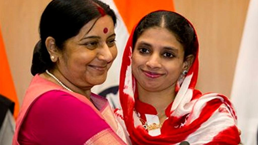 सुषमा स्वराज के निधन पर पाकिस्तान से आई गीता बोलीं, 'मैं अनाथ हो गई हूं'
