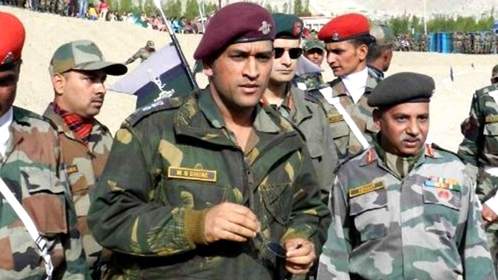 जम्मू-कश्मीर: सेना की ड्यूटी कर रहे धोनी, 15 अगस्त पर यहां फहरा सकते हैं तिरंगा