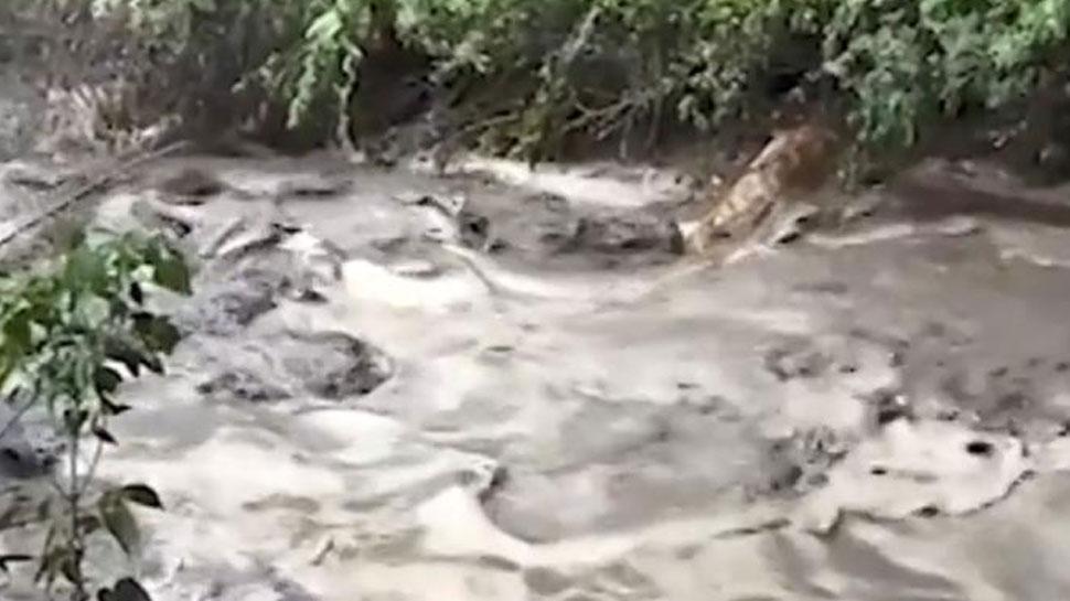 टिहरी में बादल फटा, दो लोगों की मौत, रुद्रप्रयाग में भी मूसलाधार बारिश से हालात बिगड़े