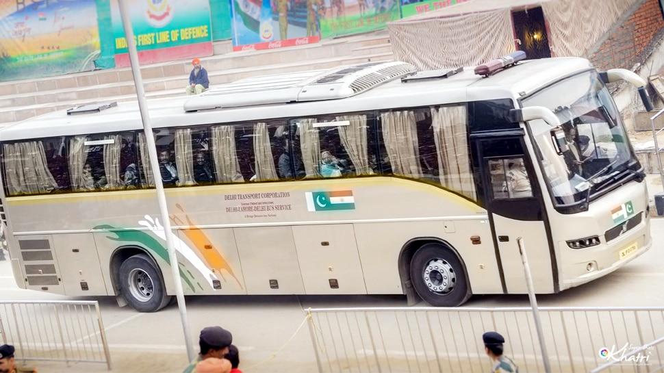 जम्मू कश्मीर पर थम नहीं रही पाकिस्तान की बौखलाहट, अब लाहौर-दिल्ली बस सेवा रोकी