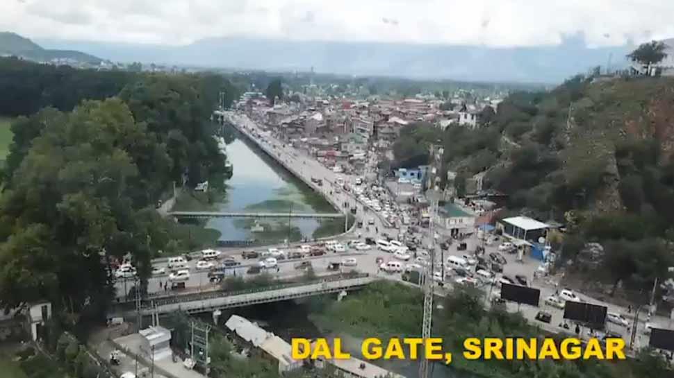 VIDEO: अफवाह फैलाने वालों को जम्मू-कश्मीर के पुलिस अफसर ने दिया मुंहतोड़ जवाब, कहा-शांत है घाटी