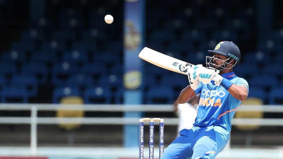 त्रिनिदाद वनडे: श्रेयस अय्यर बोले 'विराट ने कहा था कि कम से कम 45 ओवर तक बैटिंग करना'