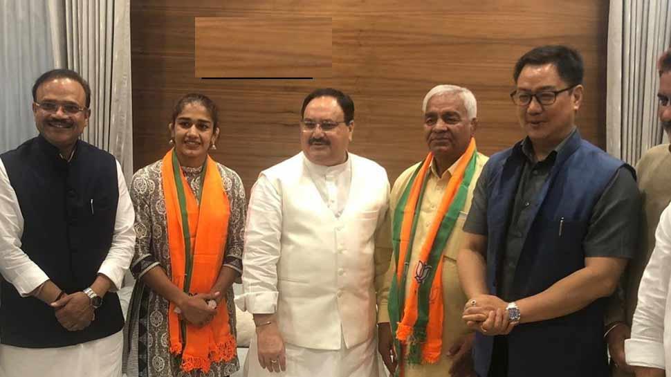 BJP में शामिल हुई 'दंगल गर्ल' बबीता फोगाट, बोलीं-मैं मोदी जी के कार्यो से प्रभावित हूं