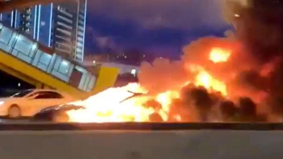 रूस में ट्रक से टकराने के बाद टेस्ला मॉडल 3 कार फटी, तीनों सवार हुए घायल