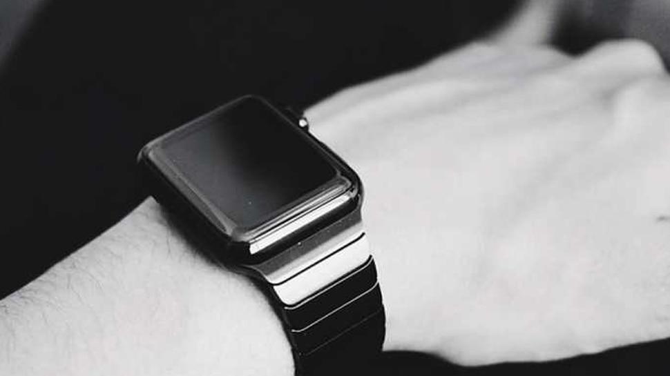 Gift your sister smart watch as rakhi gift