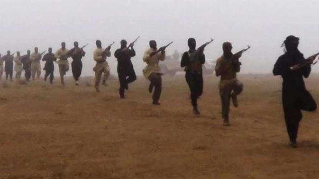 कश्मीर में शांत देख बौखलाया पाकिस्तान, LoC पर आतंकी संगठन सक्रिय, घाटी में घुसपैठ की फिराक में