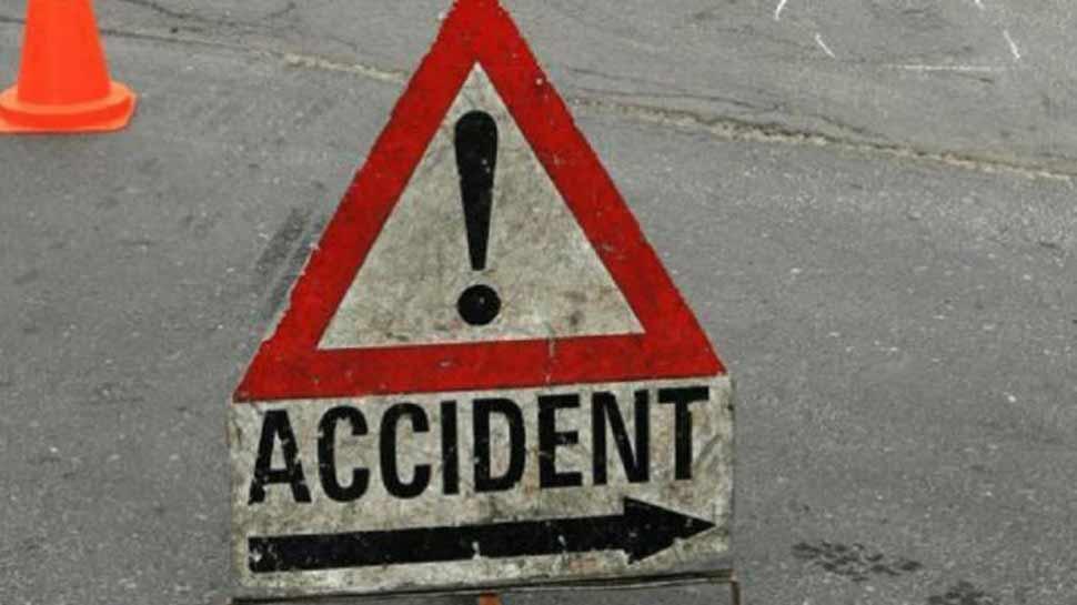राजस्थान: अलवर में बस पलटने की वजह से 2 लोगों की मौत, कई लोग घायल