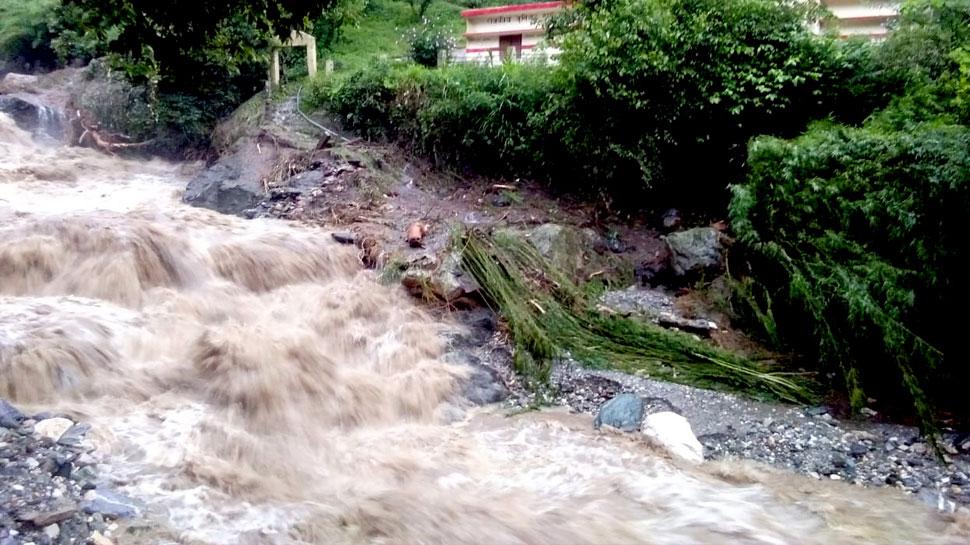 रूद्रप्रयाग में बारिश का कहर जारी, भगवान शिव की मूर्ति और घाट डूबे