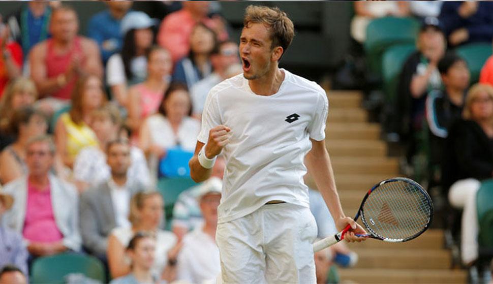 टेनिस: लगातार तीन फाइनल मुकाबले हारने के बाद, मेडवेडेव ने जीता सिनसिनाटी मास्टर्स का खिताब