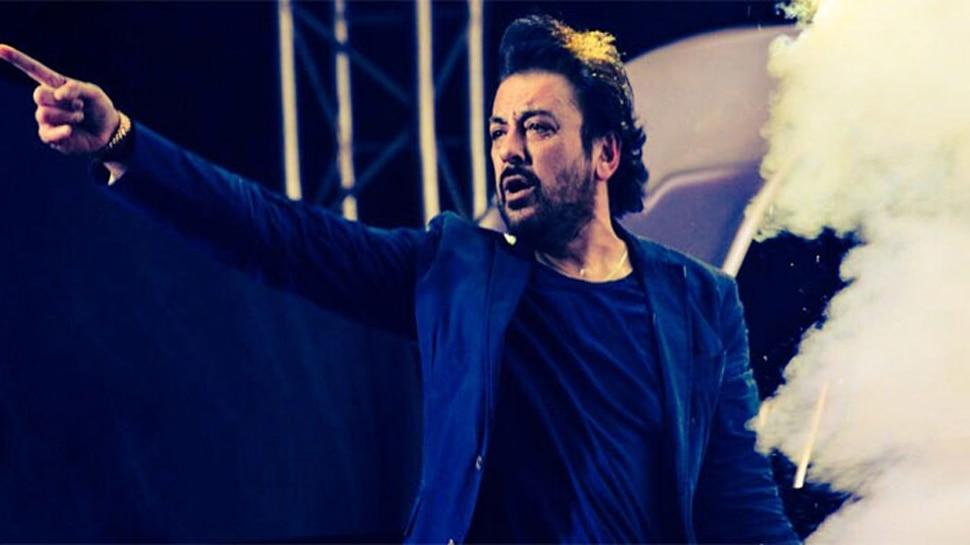 अदनान सामी का PAK ट्रोल्स को मुंहतोड़ जवाब- मैं आतंकवाद, पाकिस्तानी सेना के खिलाफ हूं