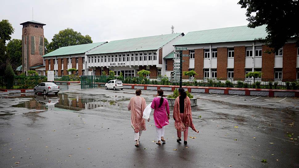 कश्मीर में शांति, घाटी में 21 अगस्त से खुल जाएंगे मिडिल तक के सभी स्कूल