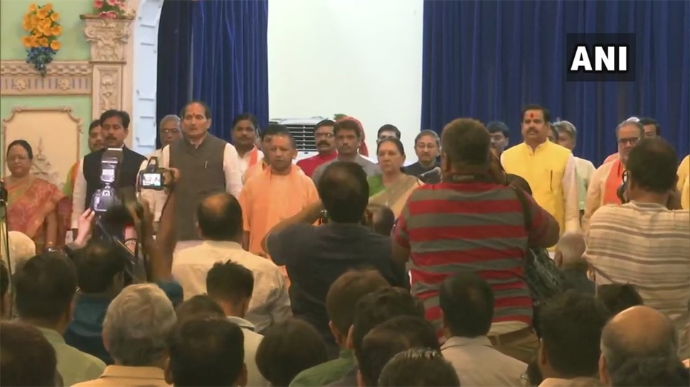 UP : योगी मंत्रिमंडल विस्तार में दिखी उपचुनाव और 2022 चुनाव की तैयारी की झलक