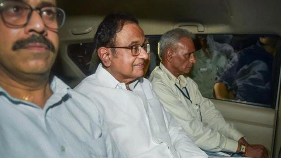 चिदंबरम की गिरफ्तारी पर बोले नकवी, 'कांग्रेस और करप्शन एक दूसरे के पूरक'