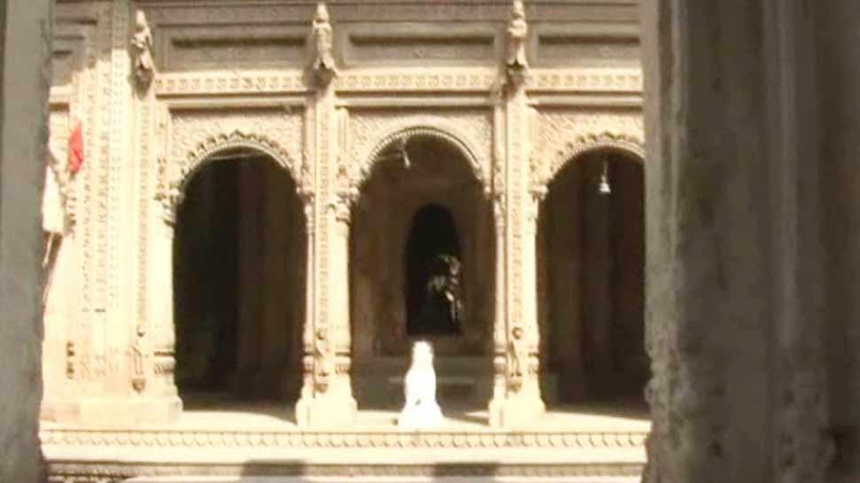 खास है मराठा काल में बना यह मंदिर, मुगल शासन में भी खण्डित नहीं हुईं यहां की एक भी मूर्ति