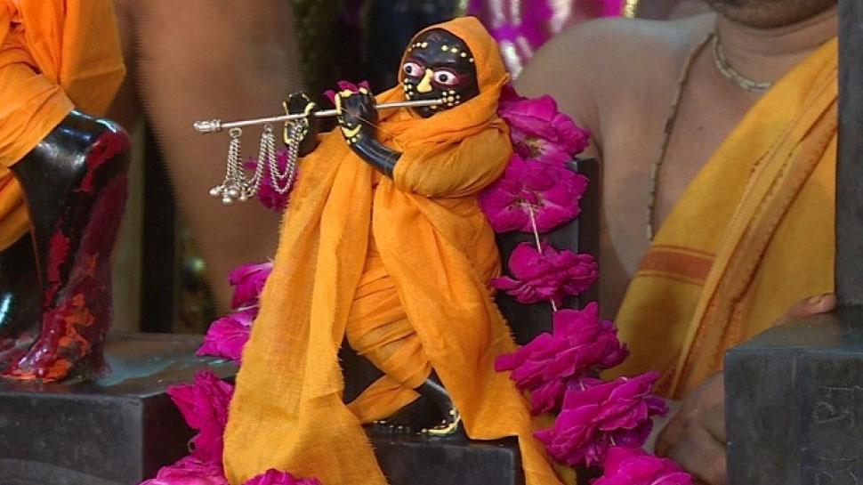 राजस्थान: ऐसा मंदिर जहां दिन में 12 बजे जन्म लेते हैं कान्हा, रात में बंद हो जाते हैं पट