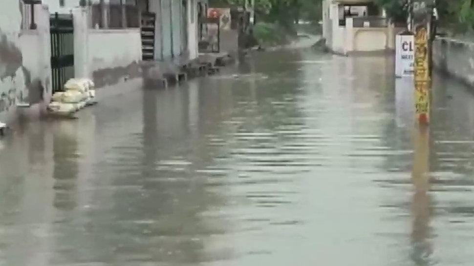 मध्य प्रदेश में नहीं थम रहा बारिश का प्रकोप, बाढ़ से जूझ रहे जिलों में मचा हाहाकार