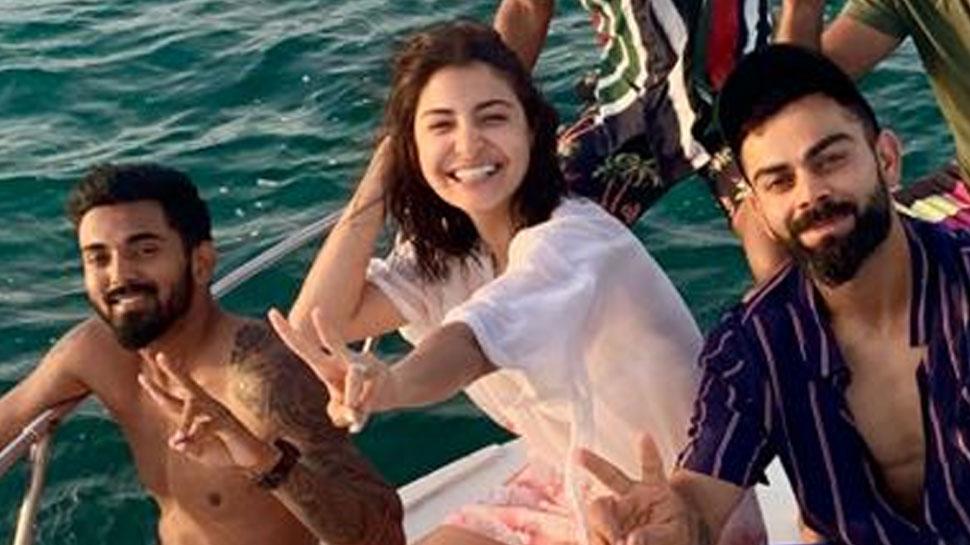 PIC: विराट, अनुष्का और केएल राहुल ने वेस्टइंडीज के समुंदर में मनाया जीत का जश्न