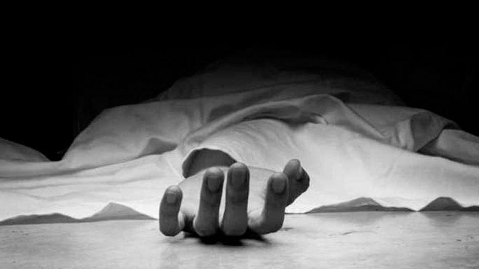 संक्रामक रोगों से हुई मौतों के बाद ज़ी मीडिया की खबर पर सीतापुर पहुंचे अपर निदेशक