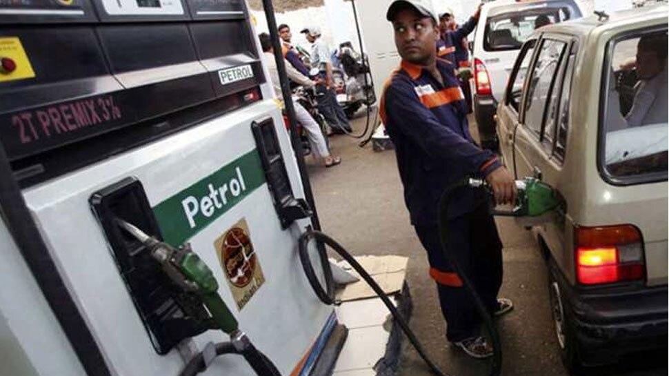 पेट्रोल के रेट में राहत का सिलसिला जारी, डीजल में दूसरे दिन नरमी