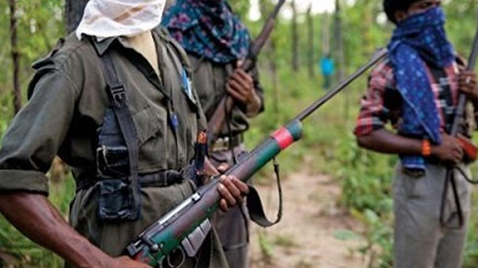 कांकेर: नक्सलियों ने RSS कार्यकर्ता को घर से निकाला और गोली मारकर कर दी हत्या