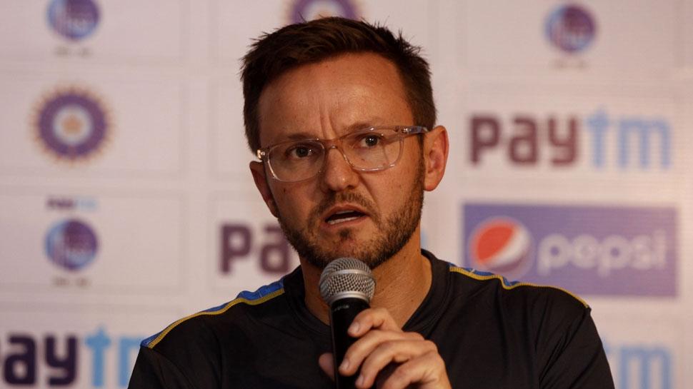 IPL: बेंगलुरू की टीम से जुड़ा न्यूजीलैंड का पूर्व कोच, रवि शास्त्री से ली थी टक्कर