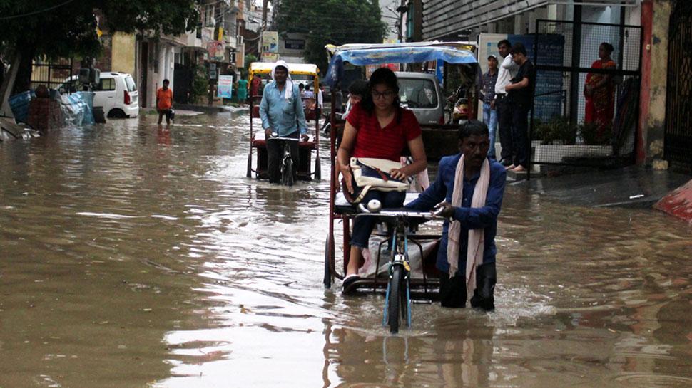 गुजरात में जारी है भारी बारिश, वर्षाजनित हादसों में 2 की मौत, जनजीवन हुआ प्रभावित