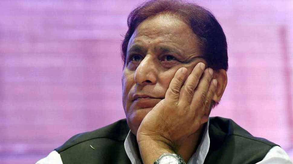 रामपुर: मुश्किल में आजम खान, अब डकैती के आरोप में पुलिस ने दर्ज की FIR