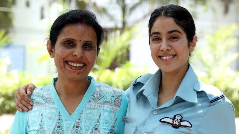 असली करगिल गर्ल गुंजन सक्सेना के साथ फिल्मी गुंजन जाह्नवी कपूर ने शेयर की फोटो