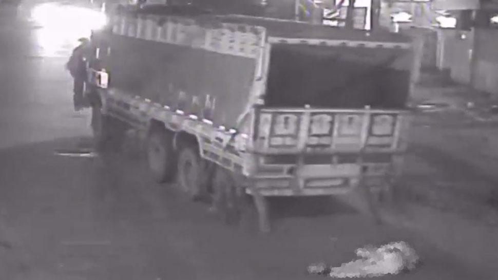 ड्यूटी पर जा रहे होमगार्ड की ट्रक से कुचल कर दर्दनाक मौत, CCTV में कैद हुई घटना